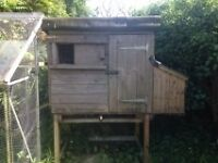 Chicken Coup on stand with side box