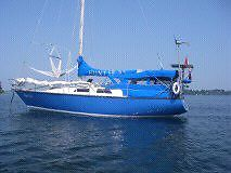 Sailing Boat Hunter 33' Long