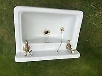 White Vintage Style Sink