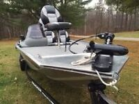 Bass Tracker- Pro Team 179TX  great condition.