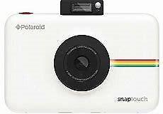 Polaroid Snap touch (white) and Polaroid Snap case (pink).