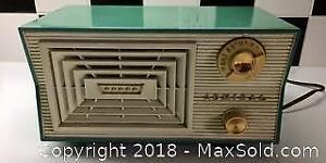 Vintage Admiral Radio