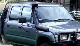 SNORKEL FITTED TOYOTA HILUX 165 167 172 176 SERIES 97-05 PETROL Bethania Logan Area Preview