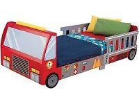 Kids fire wngin bed