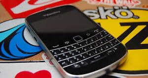 CLEARANCE SALE ON BLACKBERRY BOLD 9900 JUST $ 50 - SOFTER CELL