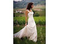 Essence of Australia D586 Wedding dress size 10-12