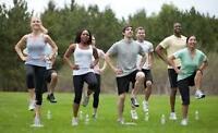 Entrainement extérieur en groupe bootcamp qui inclut une diete