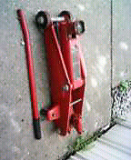 Big red 2-1/2 ton service jack