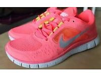 Wanted: Nike Free Run in Hot Punch Colour