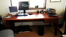 HOME or OFFICEgood quality  large desk, Kununurra East Kimberley Area Preview