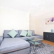 Stunning Newly Refurbished 1 Bedroom Flat off Upper Street Close to Angel & Highbury Tube Stations