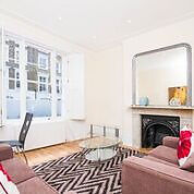 A newly refurbished 1 double bedroom flat within a Victorian conversion close to Upper Street