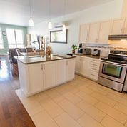 Plateau - Grand 4 1/2 -  Spacious 2bed Close to Everything!