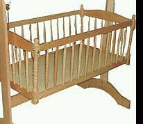 Rocking crib with 2 mattresses