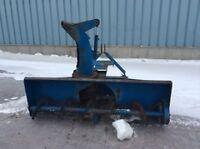 Snow blower of 80¨long equipped with hyd pump +adaptor tractor