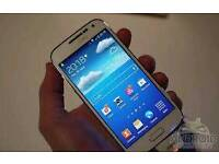 samsung s4 with 16gbsd card 4 covers 3 screen protectors and a portable charger