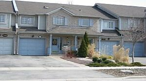 Beautiful 3 bed 3 bath townhouse in Oakville for lease