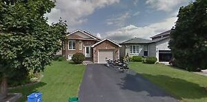 N.W. Barrie, legal 2 bedroom lower level unit, Ready to go