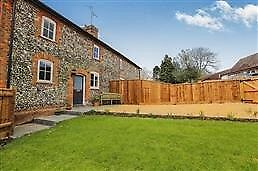Two DBL Bed Period Cottage Barkway Newly Renovated with parking and garden