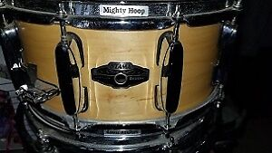 """Tama Artwood Maple 14"""" X 6.5"""" Snare. Excellent Condition"""