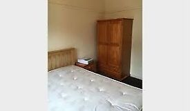 BEAUTIFUL LARGE ROOM IN ZONE 2... CALL SO THAT YOU DON'T MISS OUT!