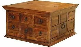 storage trunk /coffee table