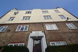 Call Brinkley's today to view thistwo bedroom, ground floor, flat. BRN3345523