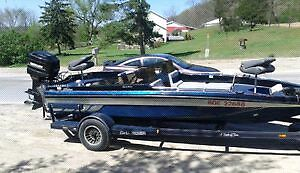 20ft charger bass boat w/ 175 merc outboard
