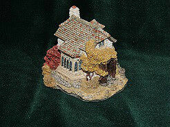 """Collectors Country Cottages. """"The Briary"""" by Liliput Lane."""