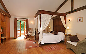 Cleaners required for luxury holiday lodges. Self employed - part time.