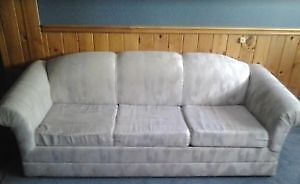 Pull-Out-Couch