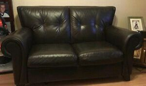 Deep brown leather couch  Cambridge Kitchener Area image 1