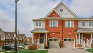 Bright and Beautiful 3 Bedroom Towhouse - Guelph