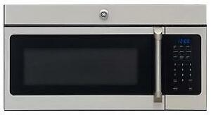 Four micro-ondes hotte intégrée 1,5 pi cu, Stainless