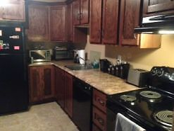 11a Loins Road-Spacious 2 bedroom apt equipped with washer/dryer