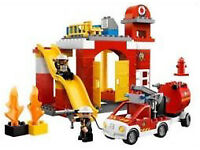⭐️ Lego Duplo Fire Station, Two Fire Engines & Accessories EUC Retired Set ⭐️