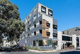 South Yarra Studio Apartment $240 P.W.  Ideal location