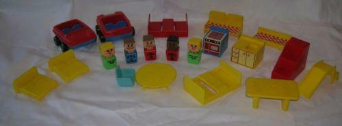 Vintage Playskool Dollhouse Do Jiaq Win