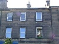 ATTRACTIVE 1 BED UNFURISHED TOP FLAT ON FERRY ROAD, LEITH