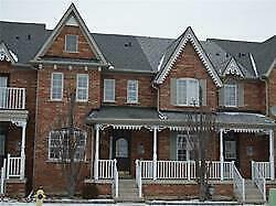 STUNNING 4 BEDROOM TOWNHOUSE IN MARKHAM!!!!!!