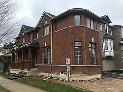 BEAUTIFUL DETATCHED HOME WITH FINISHED BASEMENT IN MARKHAM!!!!