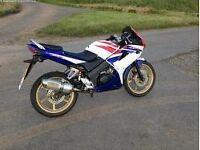Honda cbr125r 2009