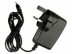 UK MAINS CHARGER FOR NOKIA C1-02 C2-00 C2-01 C3-00 C3-01 C7-00 E5-00 N71 N72 N70