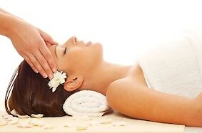 Massage therapy for headaches relief :