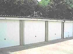 LOCK UP GARAGE STROOD FOR RENT: STORAGE: GATED SITE ME2 2SG
