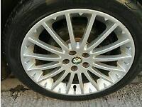 Alfa romeo GT 17 inch alloys plus
