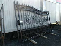 18' NEW Bi-parting Driveway Gates selling at Auction!