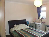 Large double room avilable in Taunton