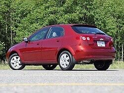 Very clean 2004 Chevy optra 5