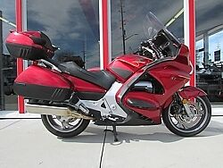 Really Sharp 2008 Honda ST1300, Just in time for summer!